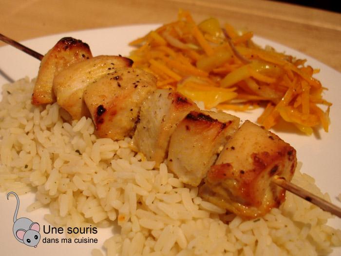 Brochettes de poulet au cari