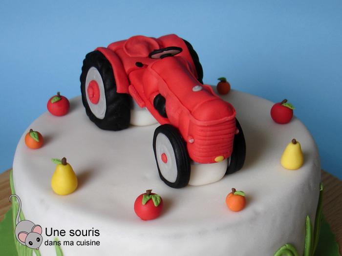 Tracteur en pâte à sucre