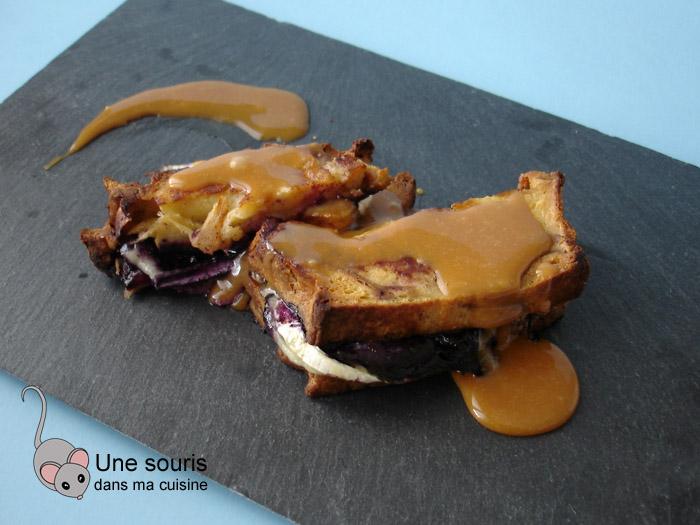 Croque-doré aux pommes, bleuets et fromage