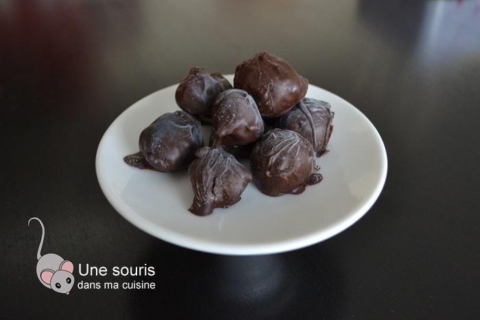 Truffes fruit de la passion et chocolat au lait