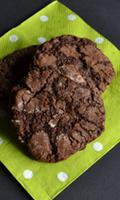 Biscuits craquants au chocolat et aux noisettes grillées
