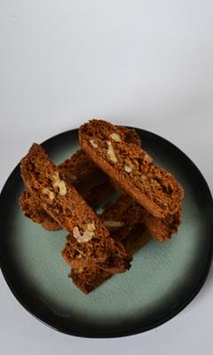 Biscottis au miel, aux noisettes et aux noix de Grenoble sans oeuf, sans farine et sans produit laitier